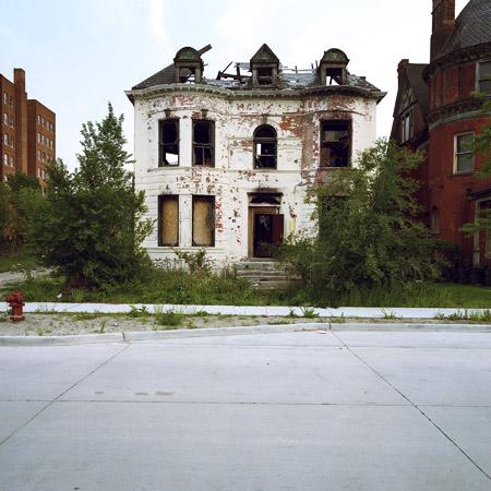 abandoned-house-kevin-bauman